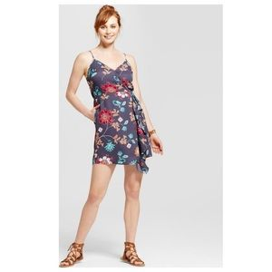 BOGO🎉 Xhilaration • V Neck Ruffle Dress Floral